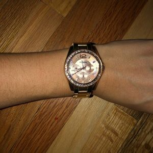 Stainless steel rose gold fossil watch